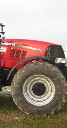 Tractor Case IH haciendo